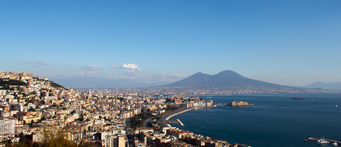 Naples, a reality out of the ordinary to explore with all your senses